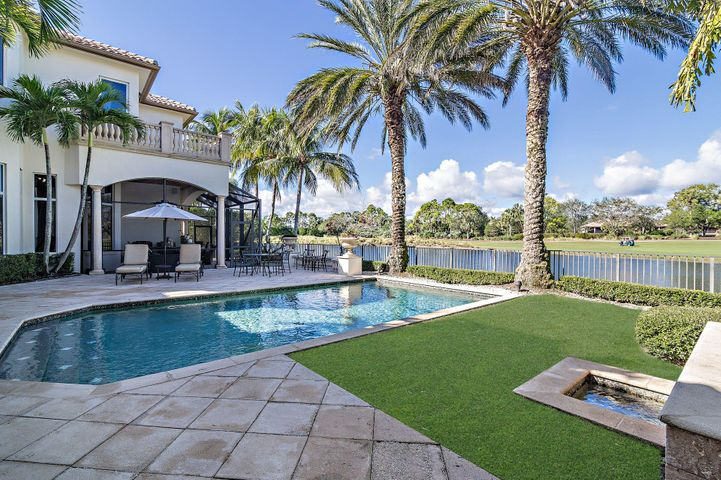 111 Via Capri, Palm Beach Gardens, FL 33418