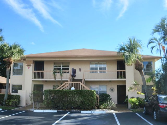 5892 Areca Palm Court, B, Delray Beach, FL 33484