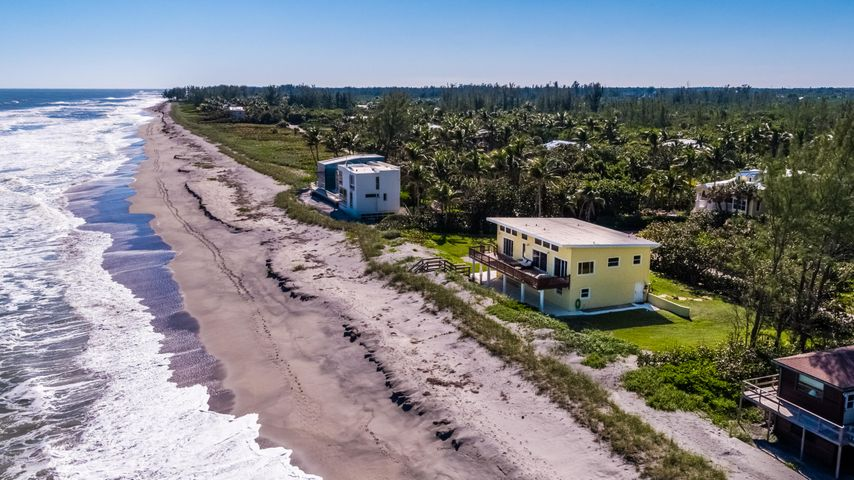 137 N Beach, Hobe Sound, FL 33455