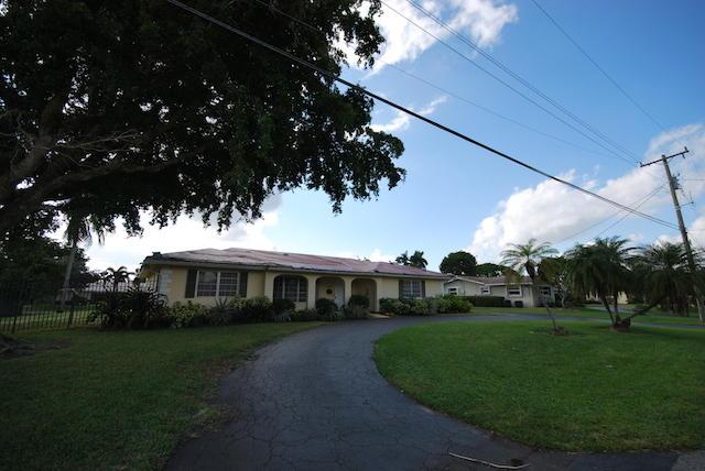625 W Tropical Way, Plantation, FL 33317