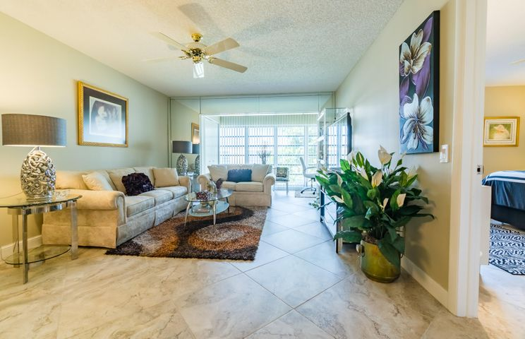THIS UNIT SHOWS LIKE A MODEL HOME!
