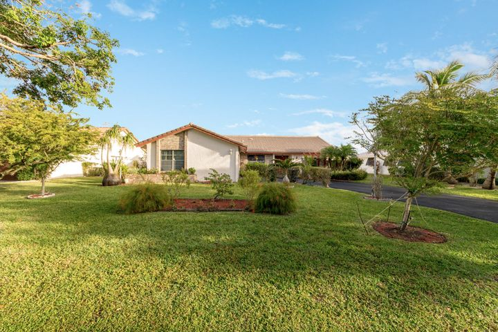 8535 NW 1st Street, Coral Springs, FL 33071