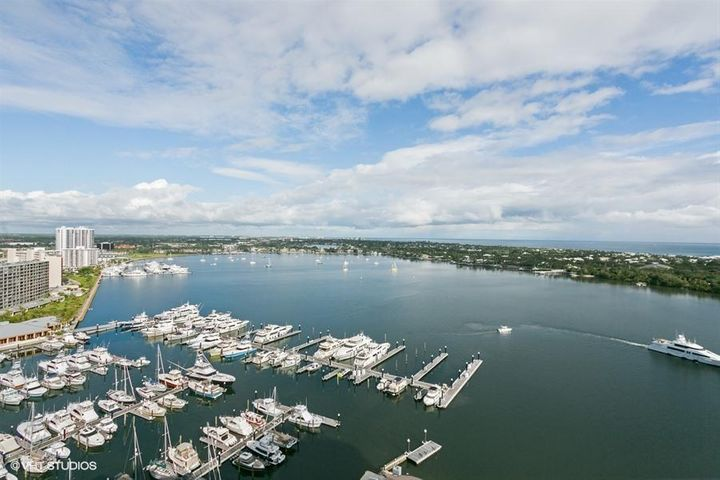100 Lakeshore Drive, 2156, North Palm Beach, FL 33408
