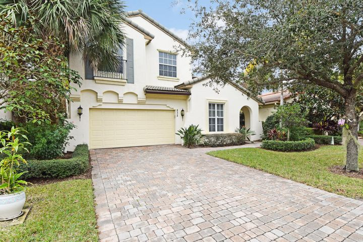 838 Madison Court, Palm Beach Gardens, FL 33410