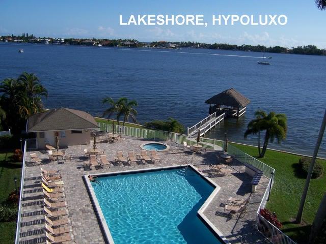 8200 Lakeshore Drive, 208, Hypoluxo, FL 33462