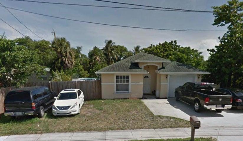 2872 10th Avenue N, Lake Worth, FL 33461