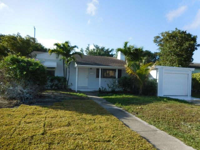 1010 S Churchill Circle S, West Palm Beach, FL 33405