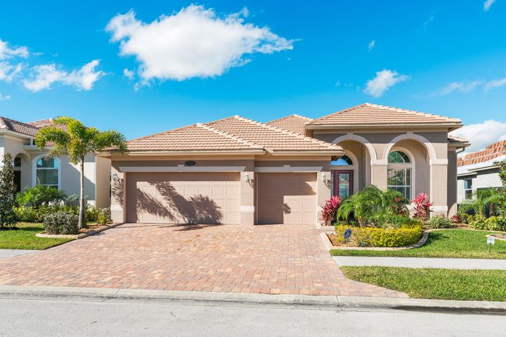 1724 Belmont Circle SW, Vero Beach, FL 32968
