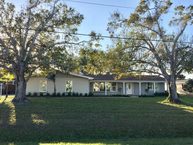 418 NE Oleander Avenue, Port Saint Lucie, FL 34952