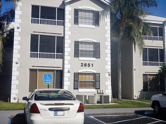 2851 N Oakland Forest Drive 107, Oakland Park, FL 33309