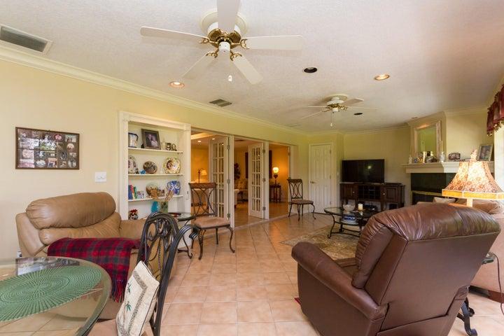 652 Cypress Key Circle, Atlantis, FL 33462