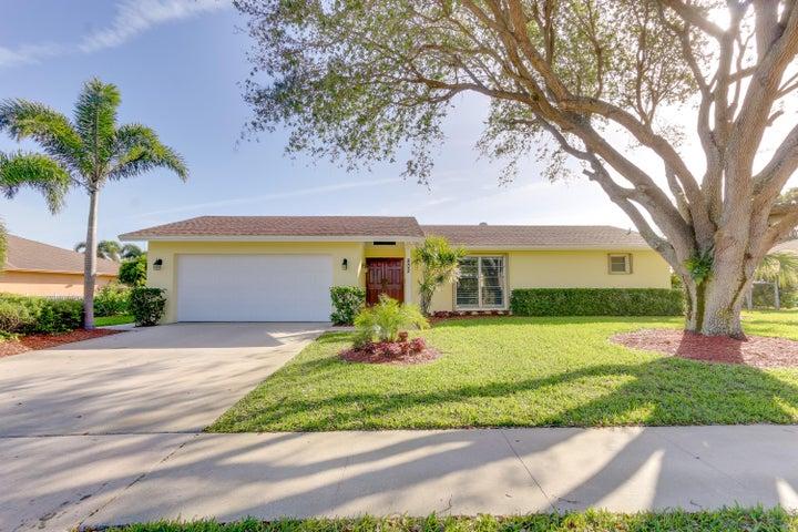 802 W Patrick Circle, West Palm Beach, FL 33406