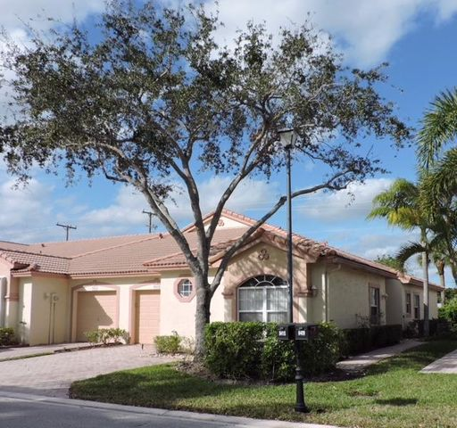 8415 Via Serena, Boca Raton, FL 33433