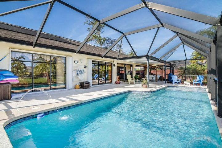 13571 Barberry Drive, Wellington, FL 33414
