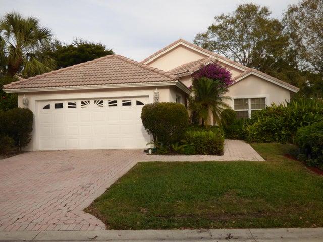 2702 Pointe Circle, Greenacres, FL 33413