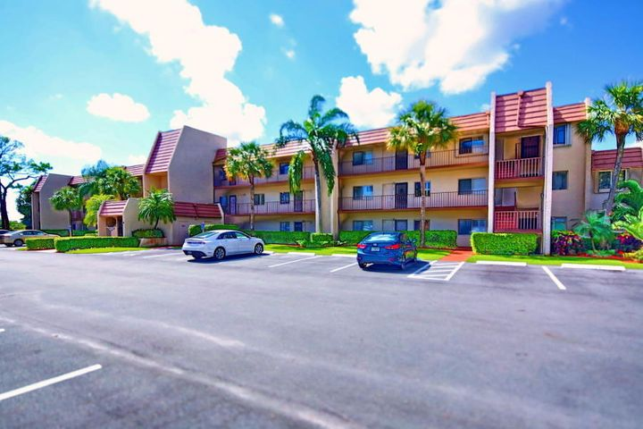 4120 Tivoli Court NE, Lake Worth, FL 33467