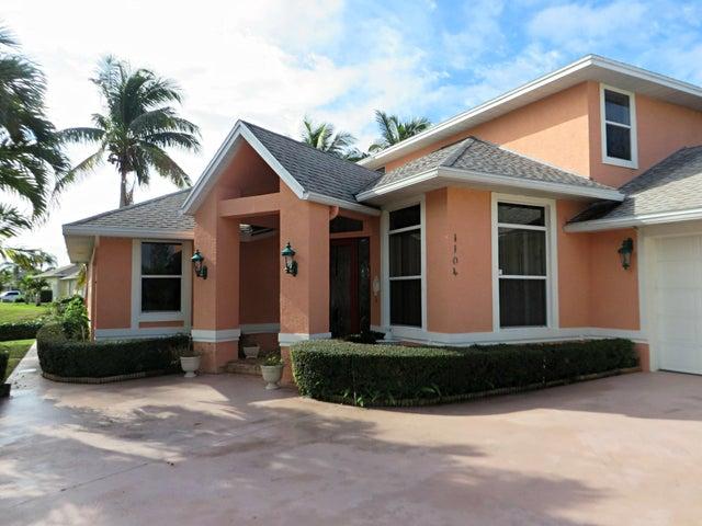 1104 SE Mitchell Avenue, Port Saint Lucie, FL 34952