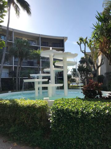 3605 S Ocean Boulevard, 305, South Palm Beach, FL 33480