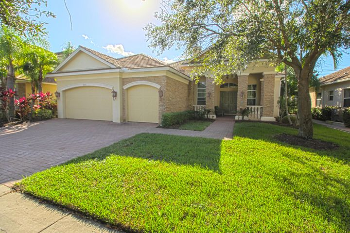 8245 Butler Greenwood Drive, Royal Palm Beach, FL 33411