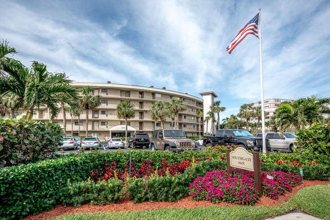 3605 S Ocean Boulevard, 126, South Palm Beach, FL 33480