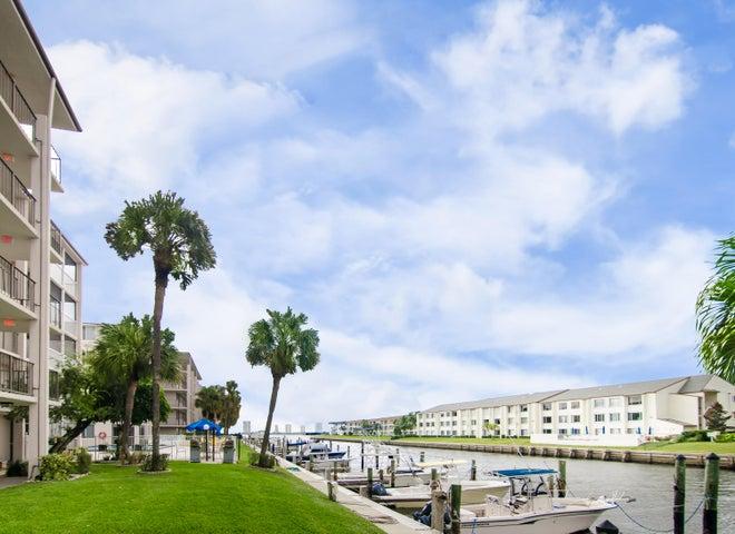 108 Paradise Harbour Boulevard 512, North Palm Beach, FL 33408