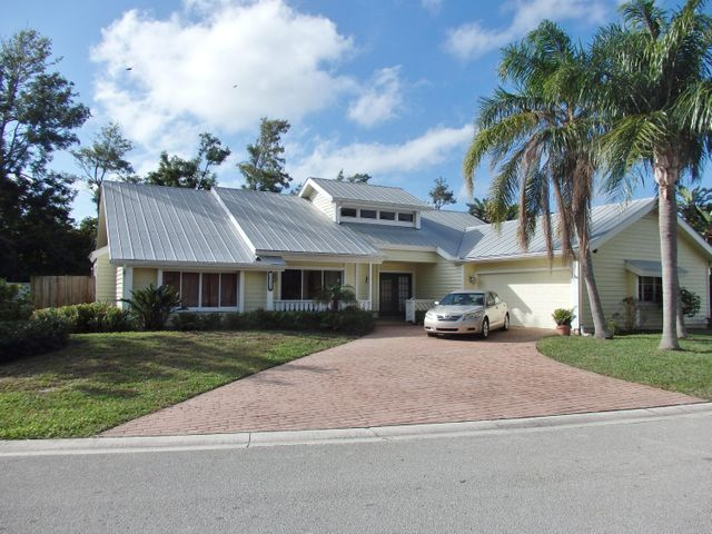 10330 SE Jupiter Narrows Drive, Hobe Sound, FL 33455