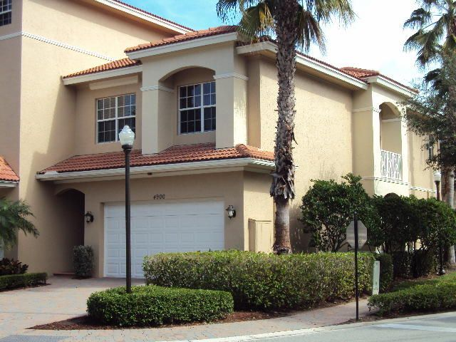 4900 Vine Cliff Way E, Palm Beach Gardens, FL 33418