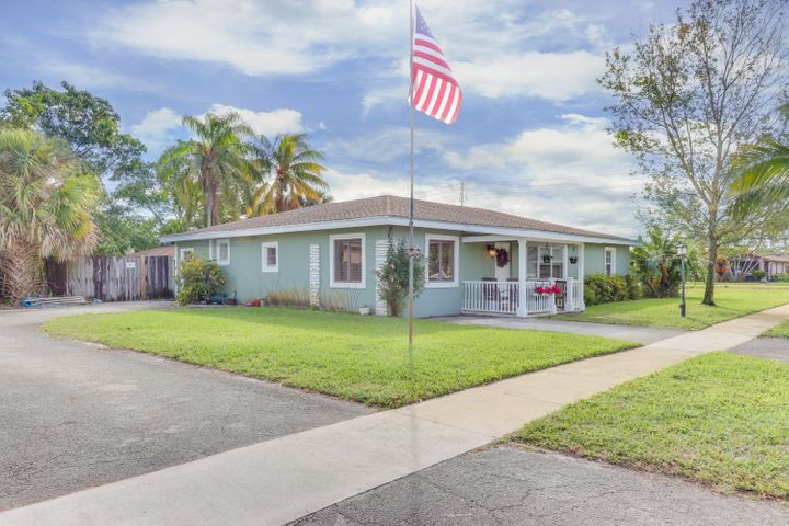 400 Martin Avenue, Lake Worth, FL 33463
