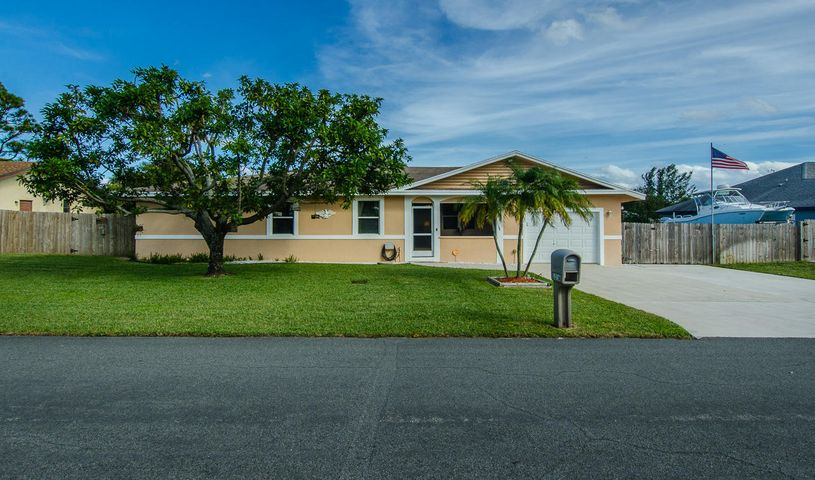1216 NW 8th Court, Boynton Beach, FL 33426