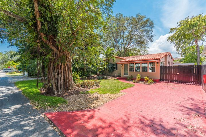 415 NE 8th Avenue, Fort Lauderdale, FL 33301