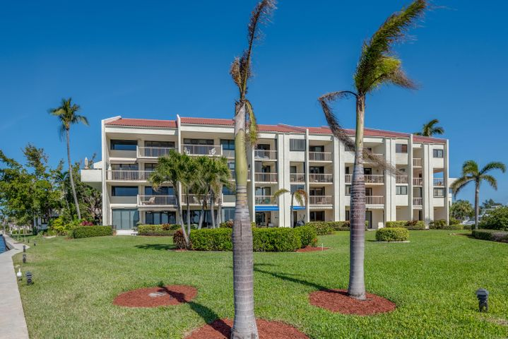 4744 S Ocean Boulevard, Townhouse 7, Highland Beach, FL 33487