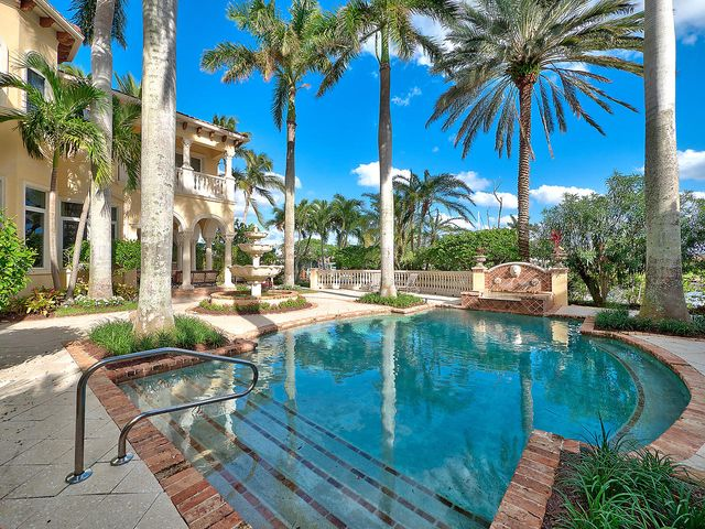 760 Harbour Isles Court, North Palm Beach, FL 33410
