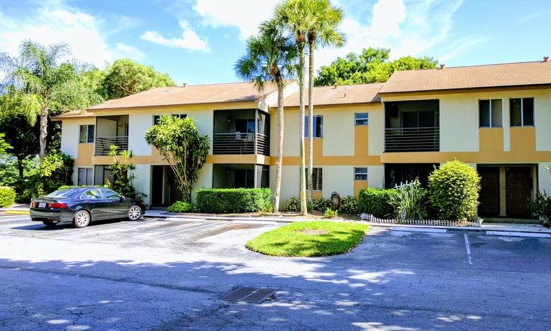 512 Gardens Drive 102, Pompano Beach, FL 33069