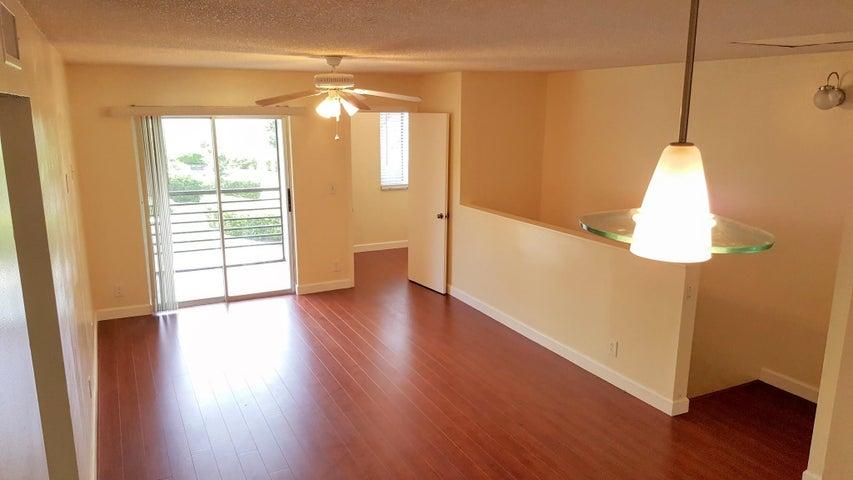 507 Gardens Drive 202, Pompano Beach, FL 33069