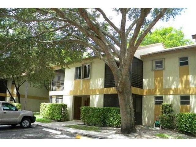 300 Gardens Drive 105, Pompano Beach, FL 33069