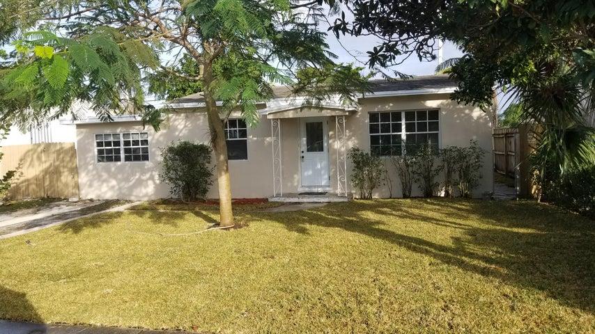522 Jackson Avenue, Greenacres, FL 33463