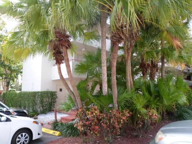 12568 Shoreline Drive 201, Wellington, FL 33414