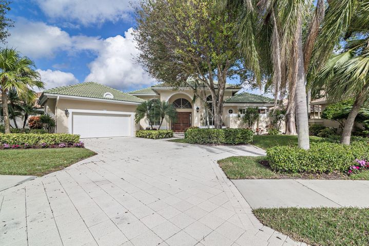 20 Saint James Drive, Palm Beach Gardens, FL 33418