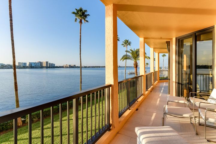Gorgeous, wide Intracoastal views from this rare, 3BR/4.1BA Contemporary condo with open floor plan. Beautifully remodeled, featuring gourmet top-of-the-line chef's kitchen, spacious library, and stunning oversized balcony overlooking Intracoastal waters. Fantastic In-Town full service building with pool, manager, and tennis courts. To be sold As Is. All sizes approximate and subject to errors and verification. SF per property appraiser.