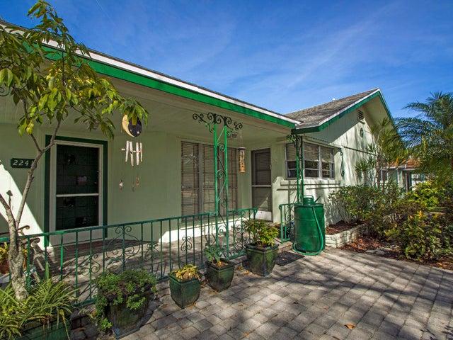 2241 Bonita Avenue, Vero Beach, FL 32960