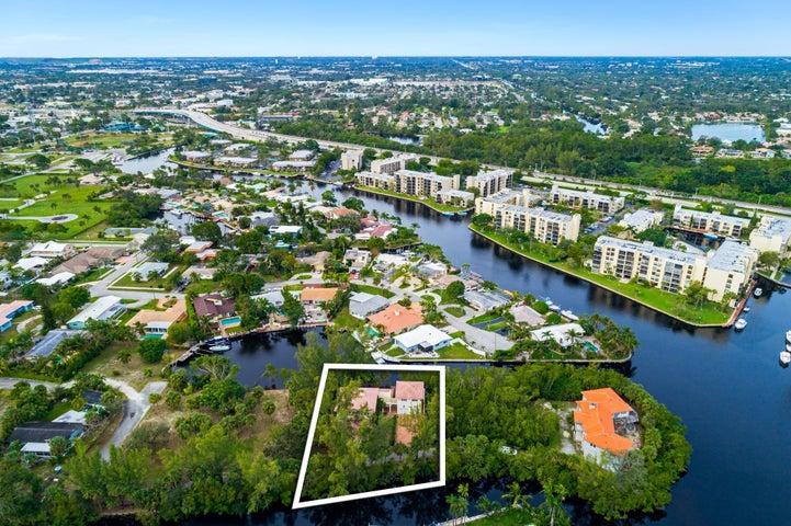 550 River Oak Lane, Deerfield Beach, FL 33441