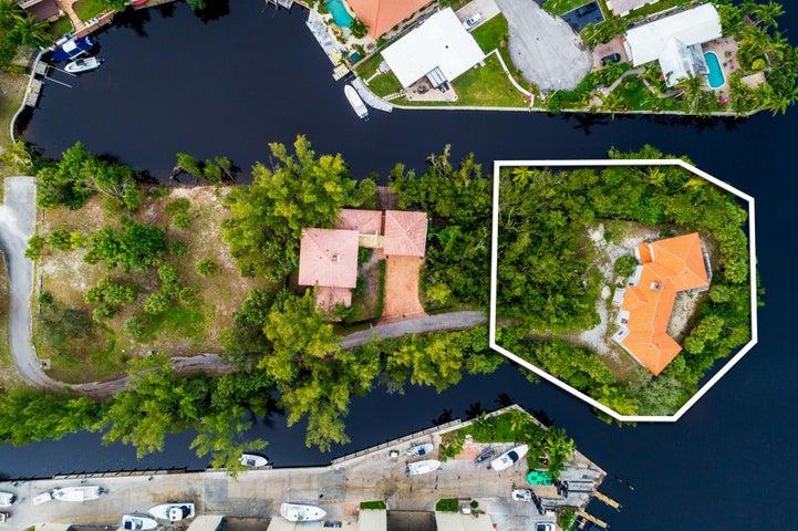 560 River Oak Lane, Deerfield Beach, FL 33441
