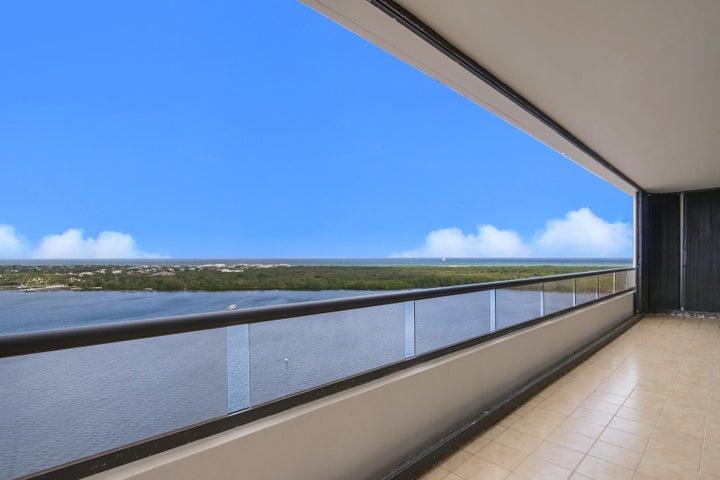 100 Lakeshore Drive 1652, North Palm Beach, FL 33408