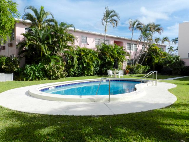 700 Bayshore Drive 17, Fort Lauderdale, FL 33304