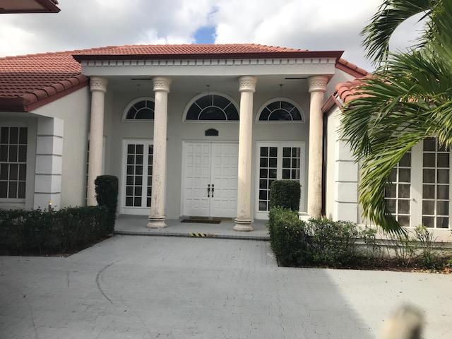 2433 Chesapeake Circle, West Palm Beach, FL 33409