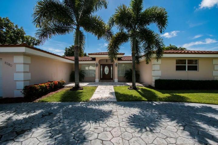 8390 W Lake Drive, West Palm Beach, FL 33406