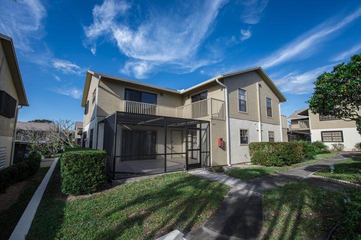 7405 SE Jamestown Terrace Bldg 17, Hobe Sound, FL 33455