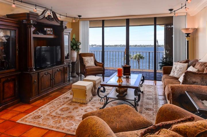 3200 S Ocean Boulevard C304, Palm Beach, FL 33480