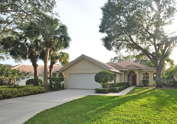 110 Winter Club Court, Palm Beach Gardens, FL 33410
