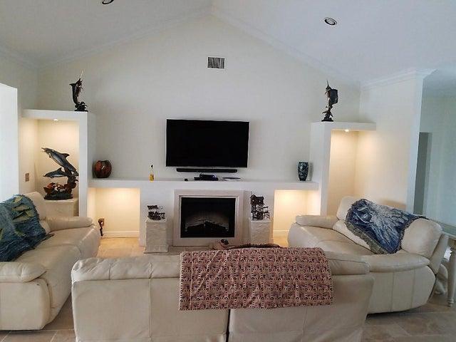 1313 SW Troon Circle, Palm City, FL 34990